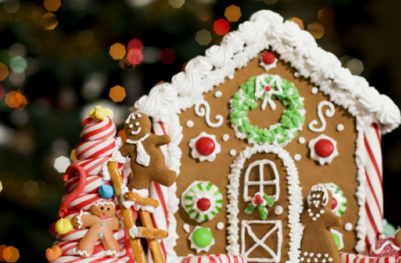 12.14.18_Gingerbread_House_Decorating_Party__39038.1524152463-724x1024